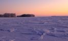 Сугробы на льду